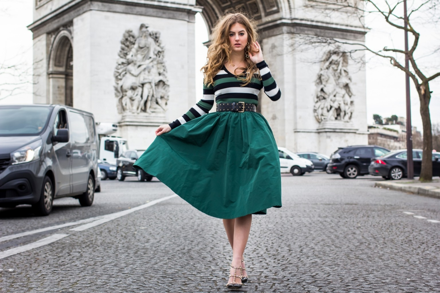 THE GIRL WITH THE GREEN SKIRT