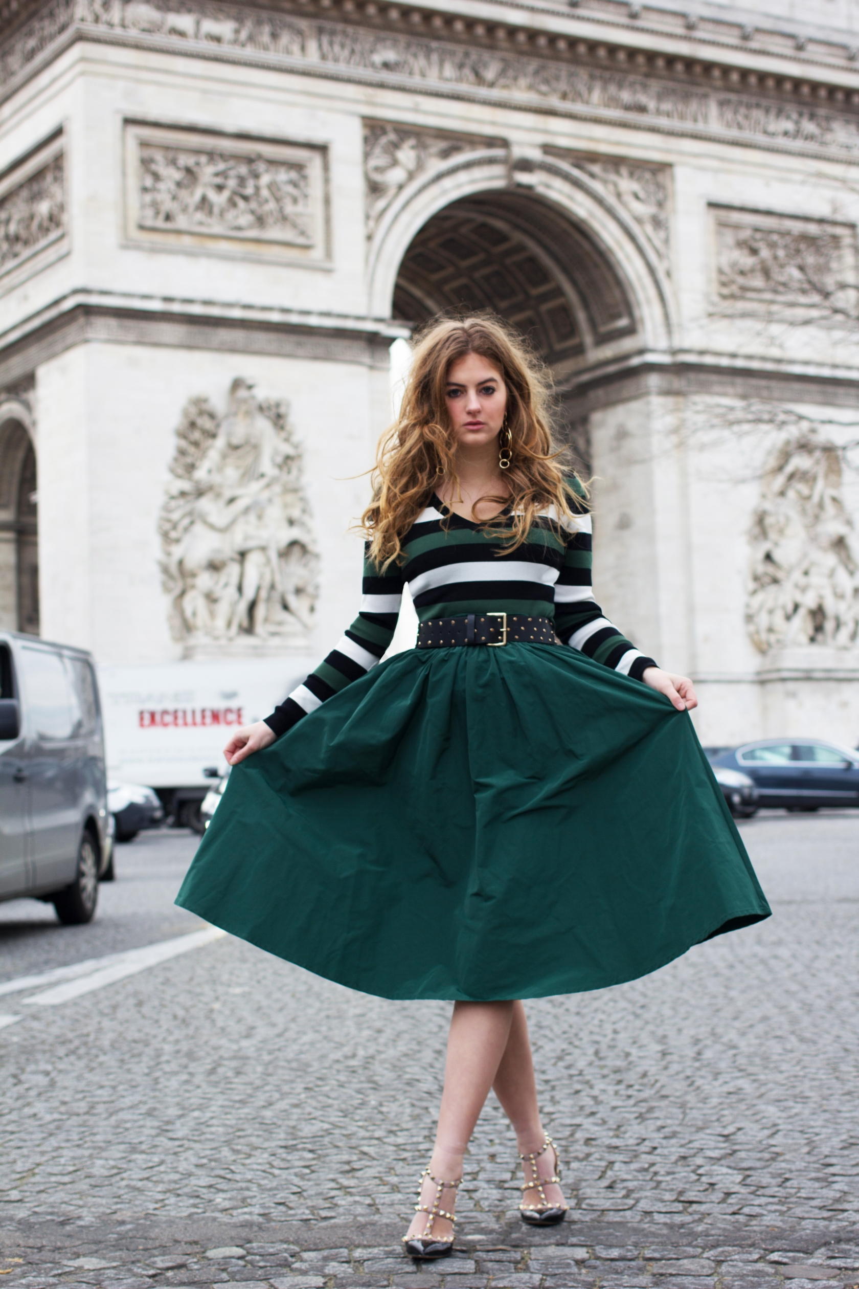 lararose_green_skirt_paris
